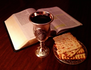 Bible_and_Lord's_Cup_and_Bread