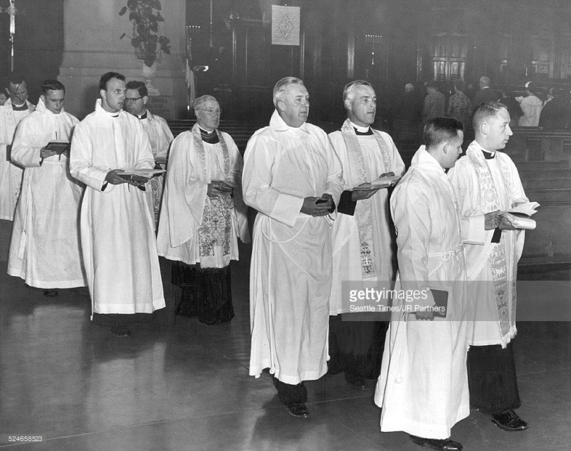 524658523-new-ministers-four-newly-ordained-episcopal-gettyimages